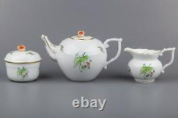 Herend Rosehip Pattern Tea Set for Six People, 17 Pieces