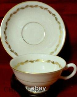 LENOX china GOLDEN WREATH O303 pattern 40-piece SET SERVICE for 8
