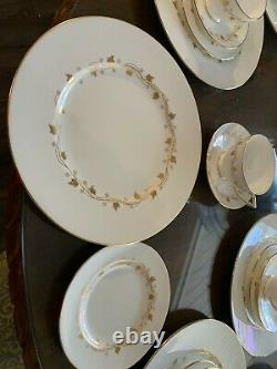 Minton Carlisle 48 pieces 12- place setting(s) Gold leaf leaves pattern England