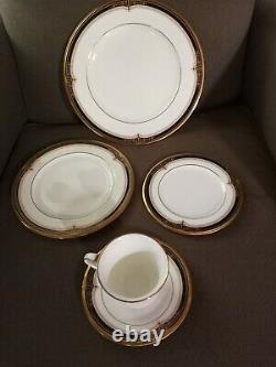 Noritake Gold and Sable 5-Piece Set Service for 8 Pattern #9758 Retired