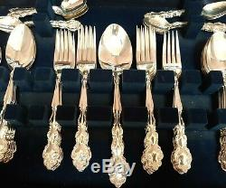 Oneida Community Mansion House pattern canteen 12 place settings, 88 pieces