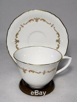 ROYAL WORCESTER china GOLD CHANTILLY pattern 60-piece SET SERVICE for 12